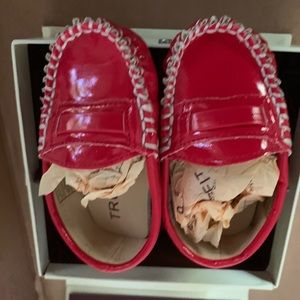 Girls red moccasins 0-6month, new in box